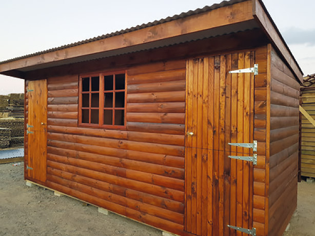 2.4m x 4.2m wendy house with flat roof